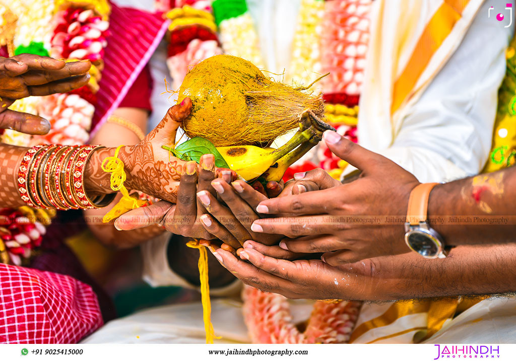 Candid Wedding Photography In Sattur 68 - Jaihind Photography
