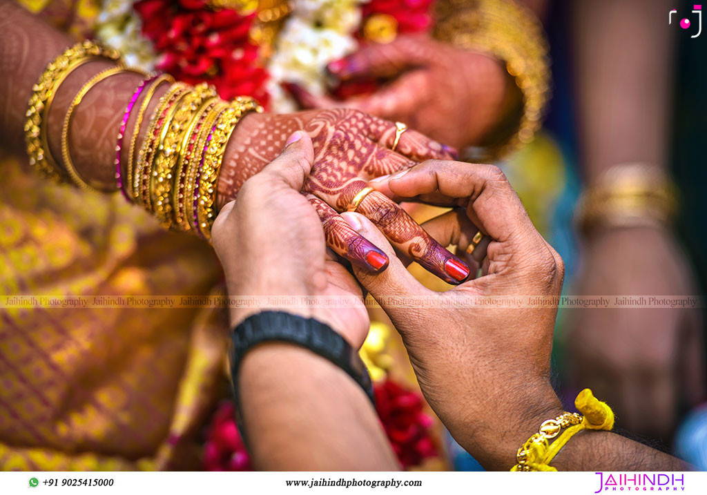 Candid Wedding Photography In Ambasamudram055