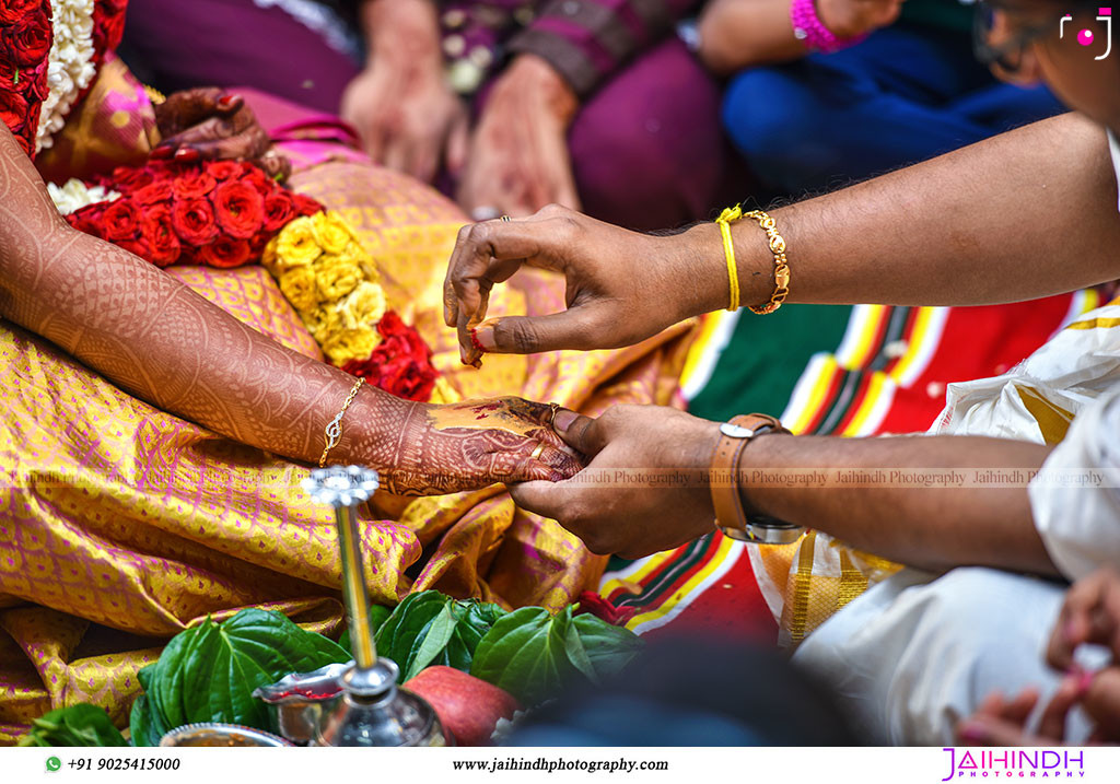 Candid Wedding Photography In Ambasamudram075