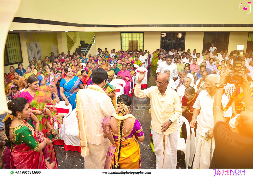 Candid Wedding Photographer In Thirumangalam - No68